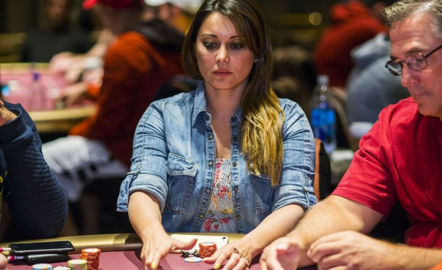 How Can You Become a Pro Poker Player?
