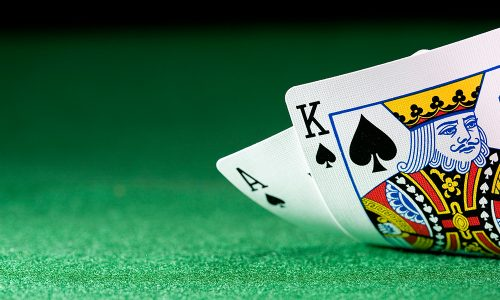 Playing Poker Online- The Advantages People Can Have