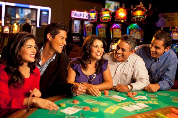 List out the Top casino games in online